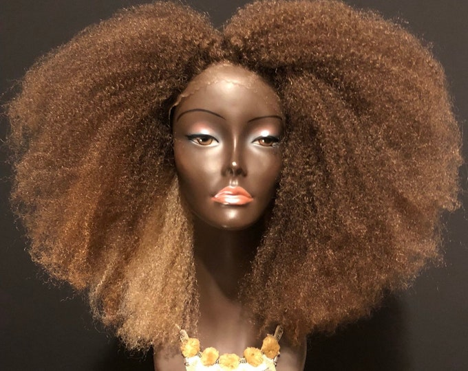 The 'Bey Fro' wig unit Ombre Blonde by Essence Wigs