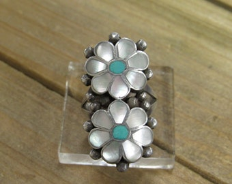 Vintage Sterling Silver Mother of Pearl and Turquoise Flower Ring Size 6.75
