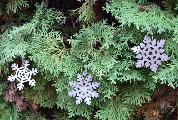 Snowflake Metal Ornaments | Christmas Ornament | Christmas sign | Holiday decor| Christmas Decor | Christmas Tree |Snowflake Art | Snowflake