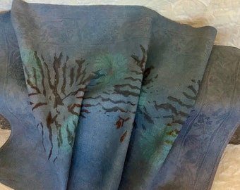 Madder and Indigo natural dyes, with shibori and stencil technique on vintage linen