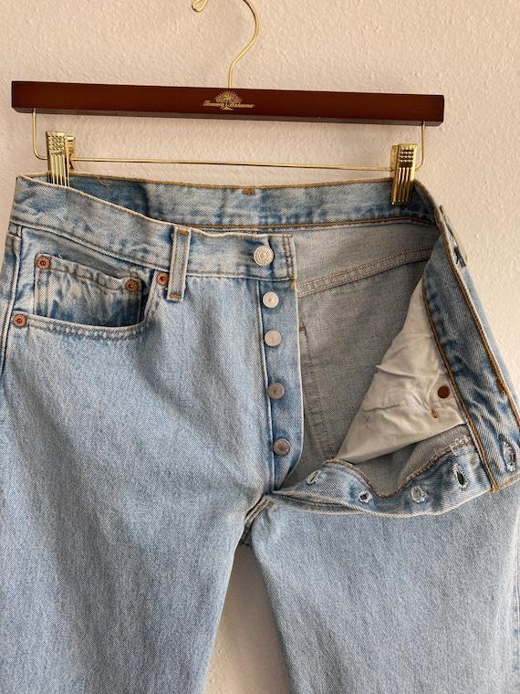 Vintage Levi's 501 Size 32x32 Light Blue 90s Jean… - image 3