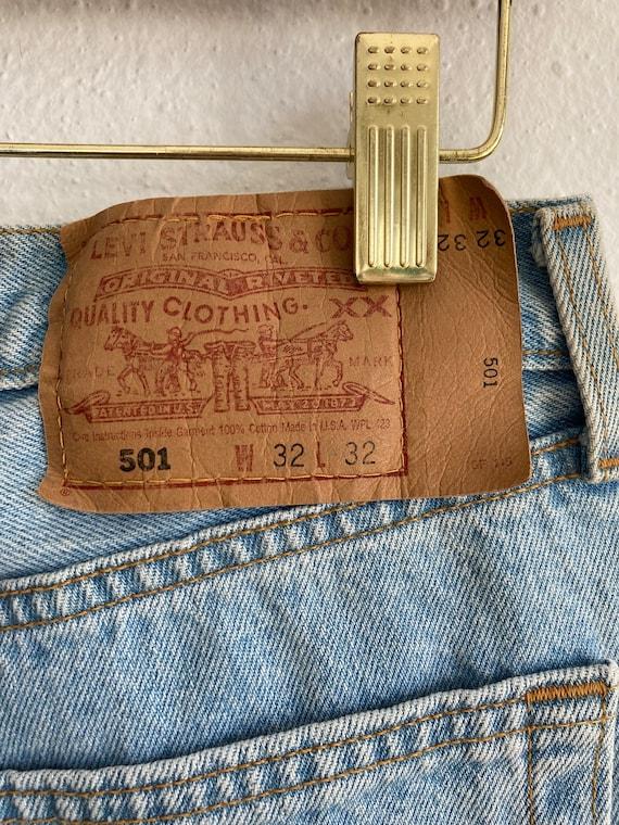 Vintage Levi's 501 Size 32x32 Light Blue 90s Jean… - image 8