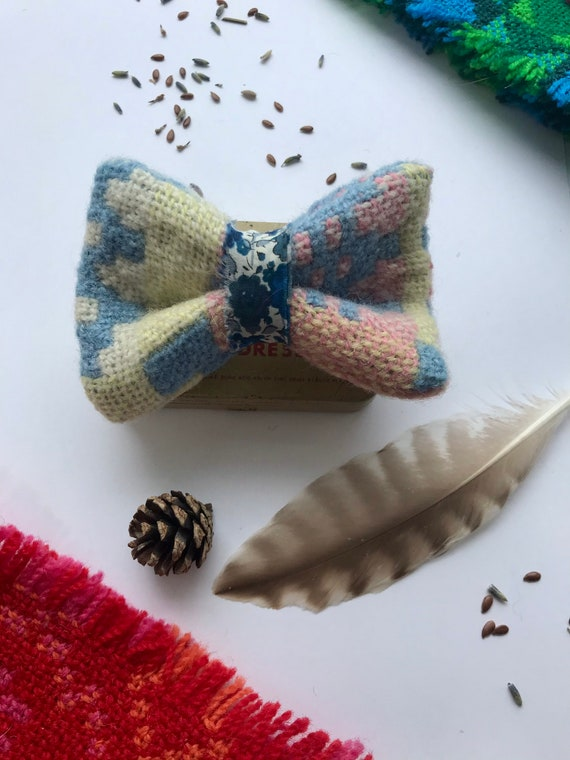 Vintage Welsh Tapestry & Liberty print hair bow/ Hair bow barrette/ Welsh Tapestry hair barrette