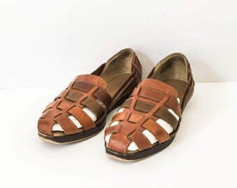 4f3f6a4b71d2 Women s Boho woven brown leather huaraches size 7M - Boho casual beach  sandals sz 7