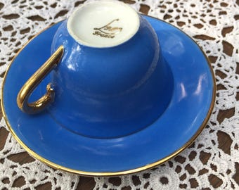 Cup and saucer frenchy