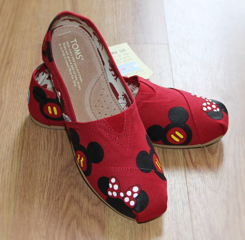 158d58017710b Mickey Mouse TOMS and Minnie Disney heads bow Park Custom hand painted  canvas slip-on shoe zapatillas pintadas