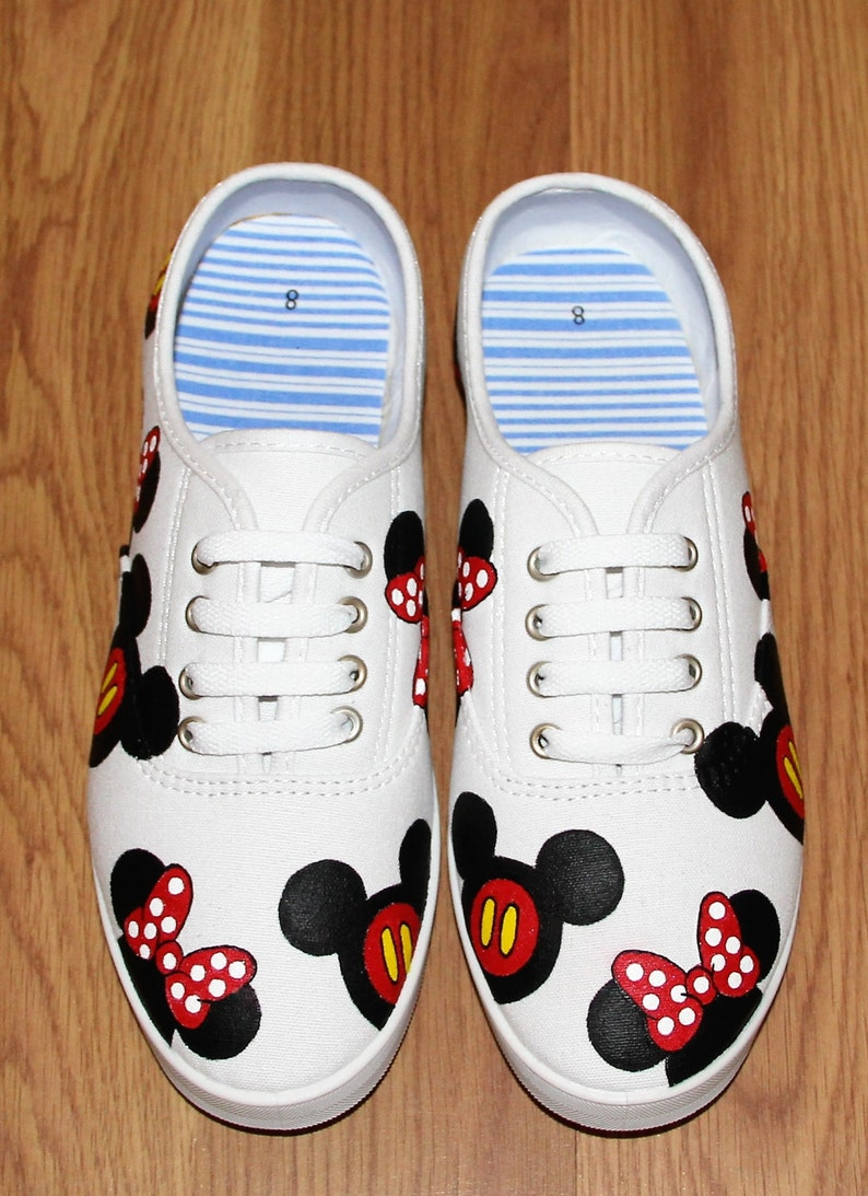 5c7d3dd216345 Mickey mouse Minnie heads bow Disney Park Custom hand painted white canvas  lace up shoes sneakers zapatillas pintadas