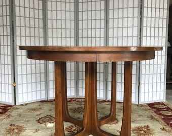 Broyhill Brasilia Pedestal Table~Shipping NOT Included~Good Vintage  Condition