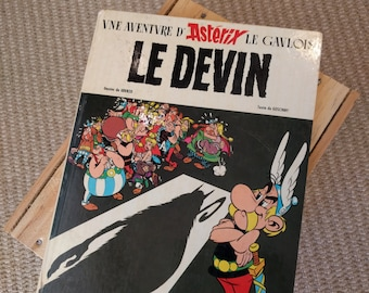 Le Devin (Asterix and the Soothsayer) Issue #19 Goscinny Uderzo Published Dargaud 1972 Hardcover 1st printing