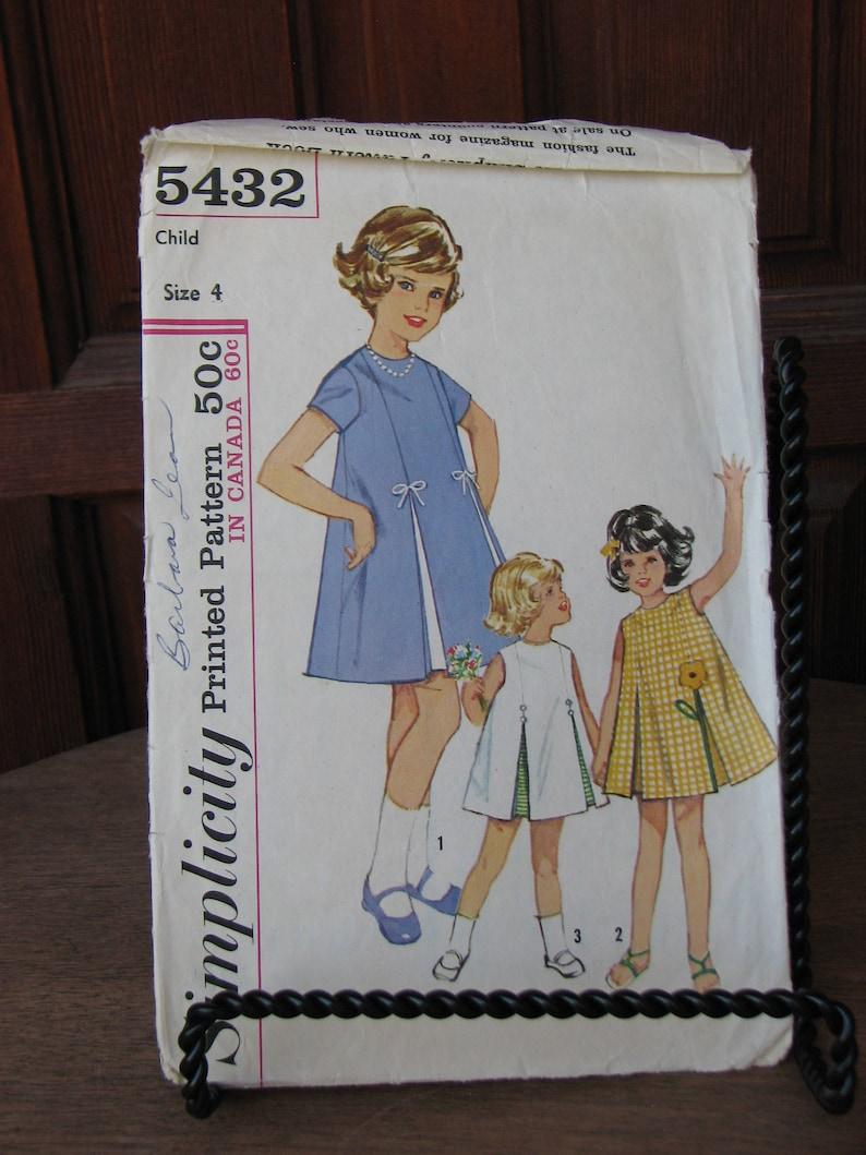 68ad082122a Vintage 1960s Girls Dress Pattern Butterick 3452 Size 1