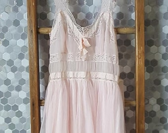 Vintage-Lingerie-Vintage Lingerie-Clothing-Women's Clothing-Bachelorette Party-Sheer Lingerie-Nightgown-Bridal Lingerie-Honeymoon Lingerie