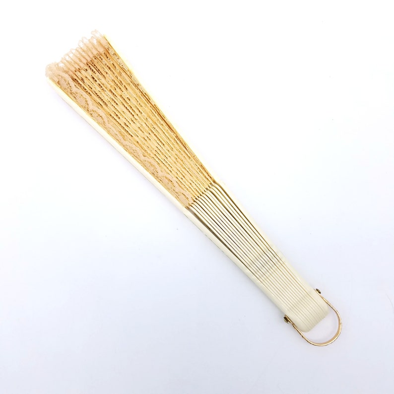 9.25 1950/'s Beige Lace Fan With Gold Accents
