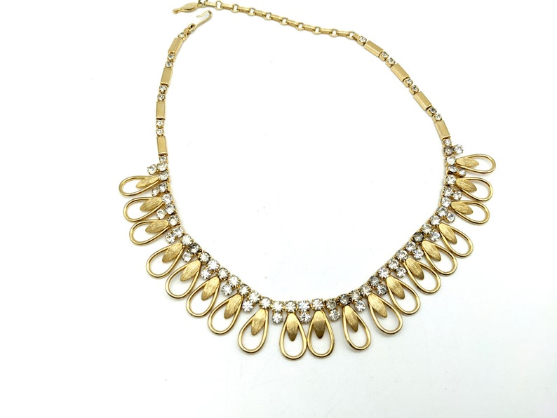 Vintage Signed Sarah Coventry Rhinestone Gold Tone Necklace 18
