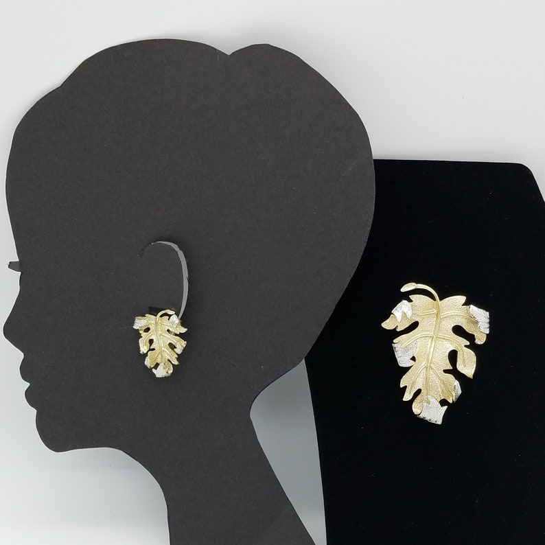 Vintage Signed Sarah Coventry Gold /& Silver Tone Curled Leaf Earrings and Brooch Set