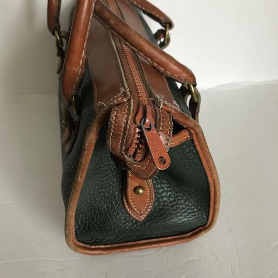 Sophisticated Vintage Designer Handbag Dooney   Bourne Green  e9ba28d524942