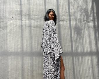 LKB59/Sexy Leopard Oversized length Long Kimono, Robe, Summer,Unisex Kimono,Tall Women's,Vacations, Holiday Look
