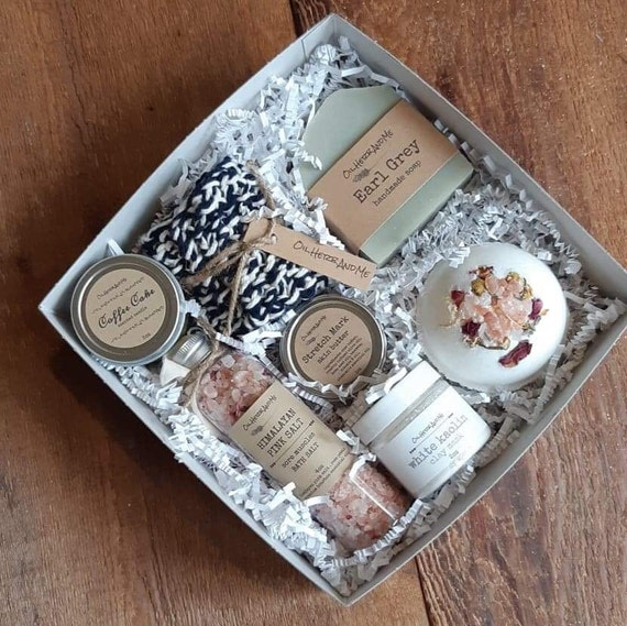 Mom To Be Box, new mom box, gift for mom, birthday gift box, spa box for  mom, mom to be spa box, Mother's Birthday gift box