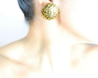 Vintage Coco CHANEL Iconic Golden Quilted Double C Emblem Small Clip Earrings