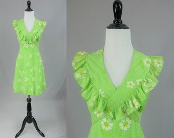 6953fcd25658 70s Flocked Daisy Dress - Bright Light Green - Polka Dots - White Yellow  Flowers - Summer Ruffle - Vintage 1970s - S