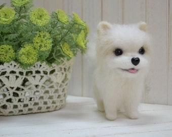Kawaii white Japanese spitz Eskimo bichon shiba inu dog puppy winter touchscreen cosy mittens gloves wool