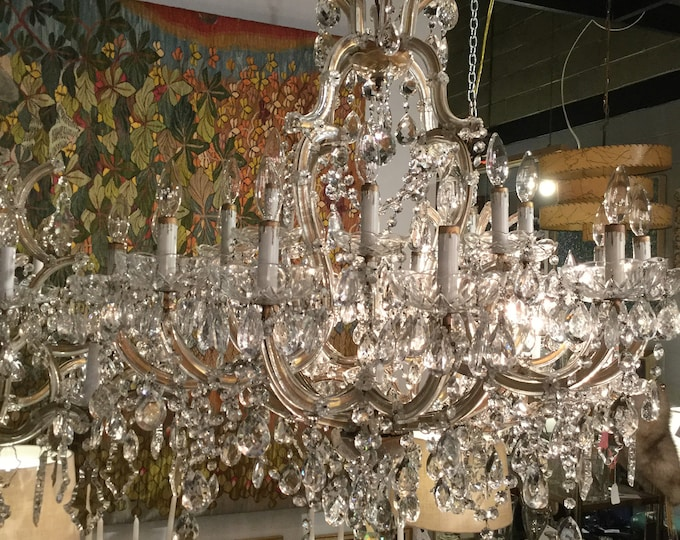 Monumental 21 Lights Maria Therese Italian Hand Cut Crystal Chandelier with crystal Bobeche
