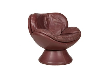 SOLD: Ca. 1970s Italian Leather Scoop 360 degree Swivel Lounge Chair
