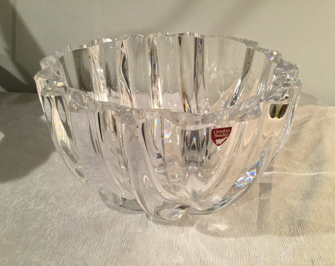 Crystal Bowl Signed Lars Hellsten for Orrefors