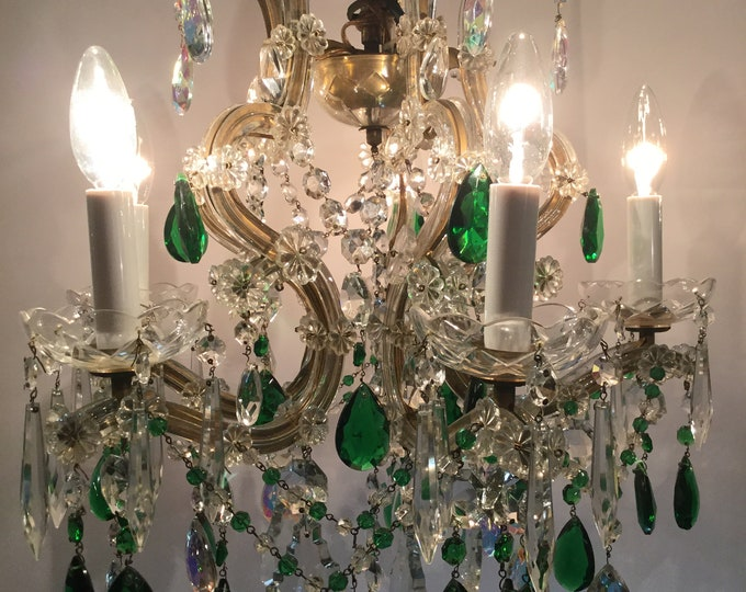 Ca.1940s Italian Emerald and Clear Crystal Maria Theresa 5 Light Chandelier