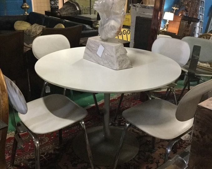 SOLD: Mid Century Saarinen Style Dining Set 42 Round with Leather Chairs