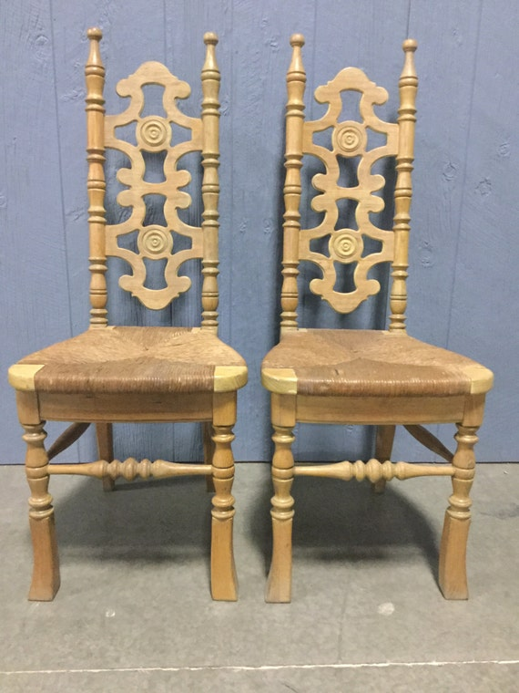 Pair of Early 20th century Ladderback Chairs in Solid Oak