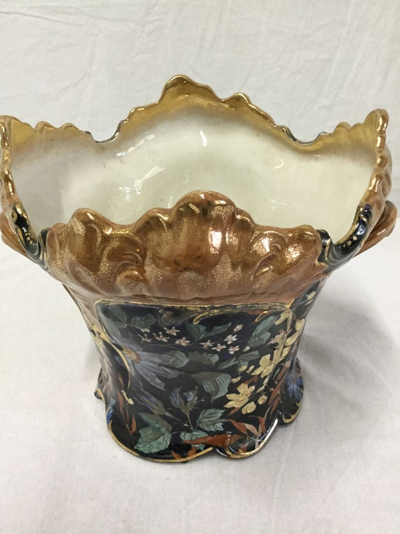 French ca. 1900s Art Nouveau Hand Painted Ceramic with Gold Glazed Jadeniere or Vase