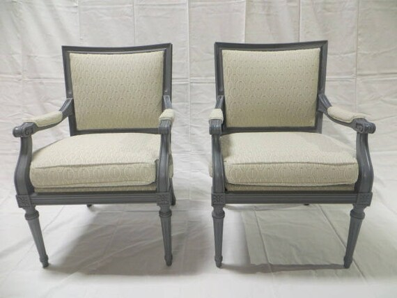 Ca. 1900s French Directoire Pair of Side Chairs Lacquered in Gray Finish Re-Upholstered in Loomed Patterned Modern Fabric