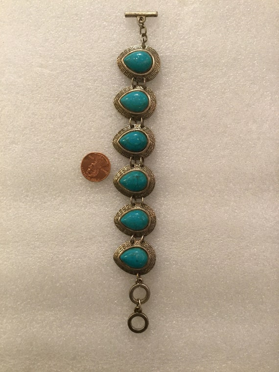 Vintage 70s Turquoise and Silver Bracelet with toggle closure 8 inches Length