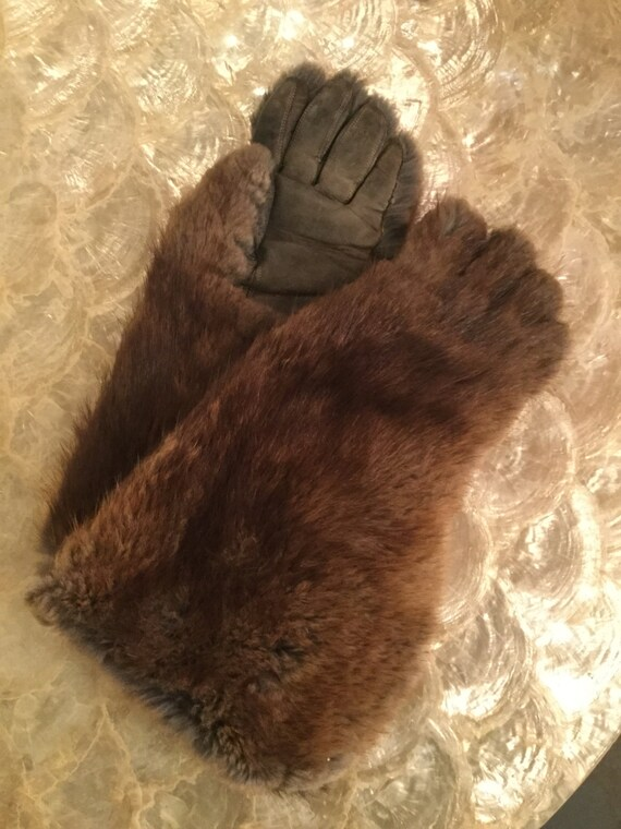 SOLD: Ca. 1900s Sleigh Fox Gloves for small child or sm in women's
