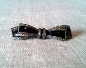 Brooch:Vintage Antique Marcasite  Sterling Silver Bow Brooch with enamel from the 1930s,retro boho style,black little glam brooch,