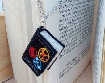Hunger Games - Hunger Games Pendant - Hunger Games Love -Peeta Mellark Jewelry - Katniss Everdeen Jewelry - Hunger Games Fans - District 13