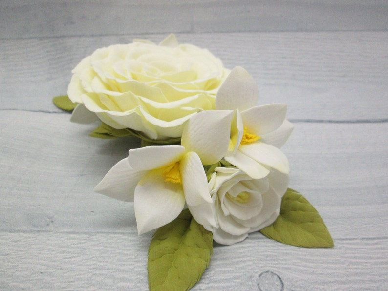 Bride flower comb Wedding floral clip Flower hair comb Wedding comb boho Flower ivory hair Hair flower comb Wedding clip boho Hair comb her