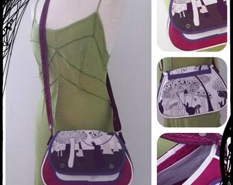 SaKdeFille rabbat! purse has adjustable shoulder strap