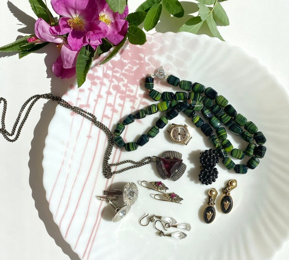 1960s Vintage Jewelry Set, Vintage Earrings and Be
