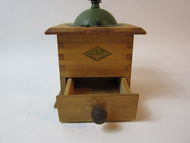 A Stunning Vintage Metal /& Wooden Miyennes Coffee GrinderCoffee Maker Made in France