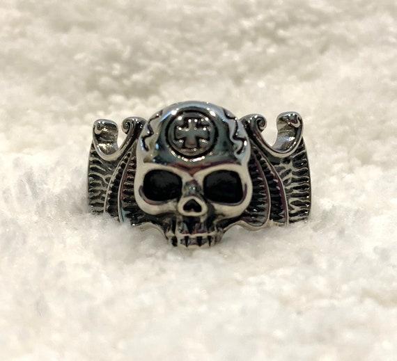 Skull Ring Steel Ring High polished (no plating) Epoxy Jet