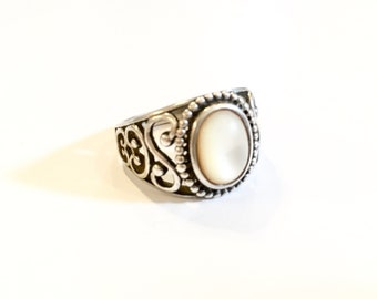 Art Deco Sterling Silver Mother of Pearl Ring
