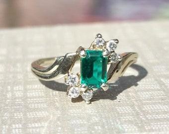 Vintage Emerald & Diamond Ring 14k white gold size 6 1/2