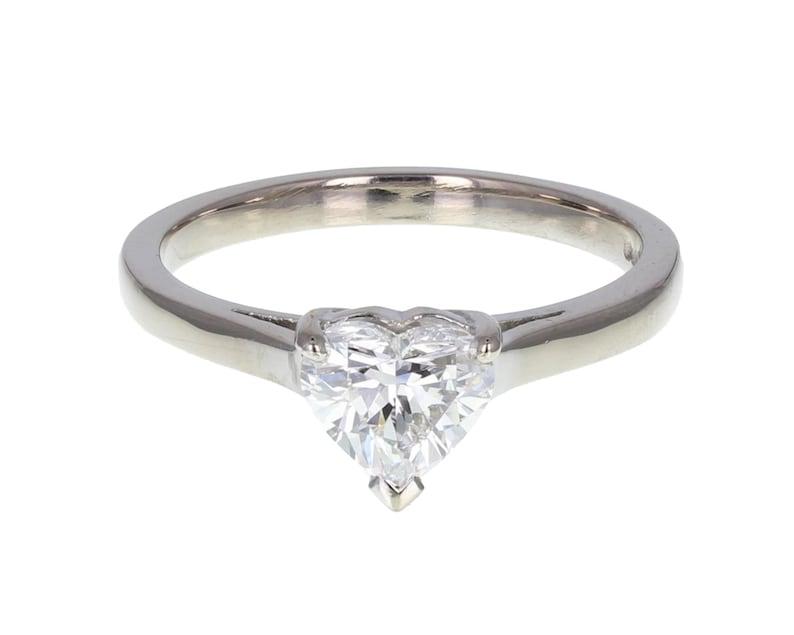 fa08fc5c95d6 1 quilate de corazón en forma de anillo de diamante en oro