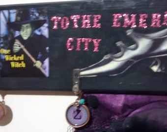 wicked witch to the emerald city,door sign/hat/broom.