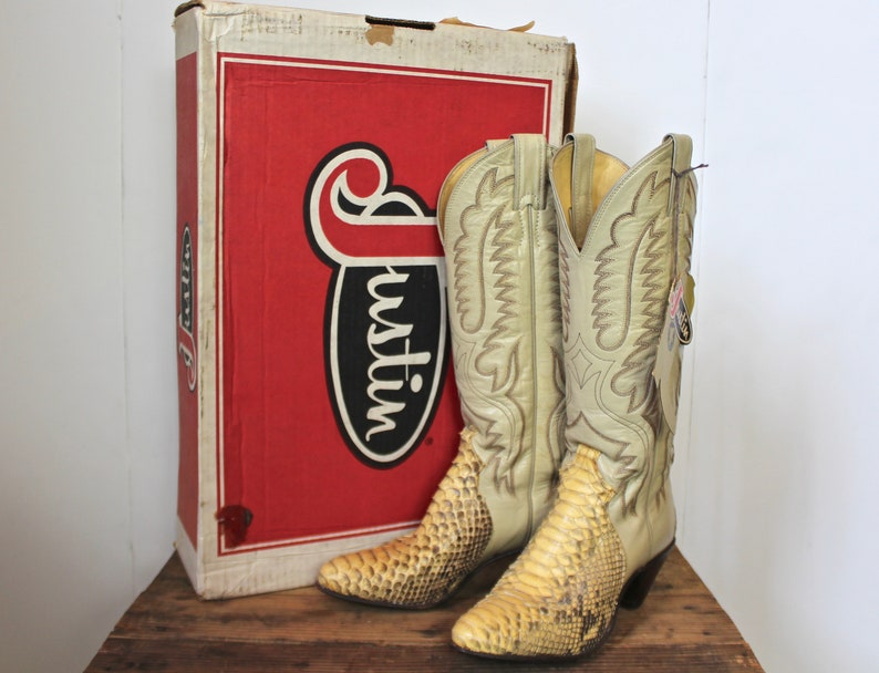 6d0df5bdedb Vintage Women's Justin Deadstock Python Cowboy Boots Size 5B Western  Snakeskin Off White 5