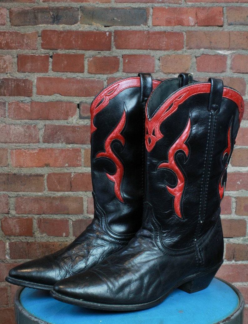 be0c00273eaad Vintage Dingo Cowboy Boots Black And Red Leather Women's Size 10 Men's Size  8 Western Country
