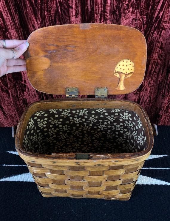 Vintage 70's Mushroom Basket Purse - image 4