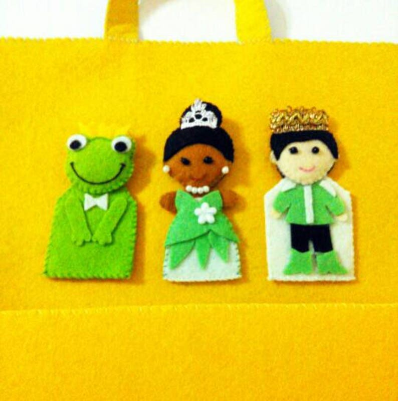 Finger puppet playmat frog and the princess Toddler toy Kids gift Quiet book preschool toy soft toy Educational toy personalized gift