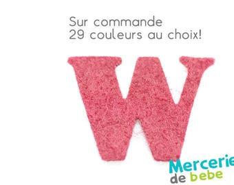 """Letter """"W"""" alphabet in felt - 29 color choices - 2.5 cm x 2.5 cm"""